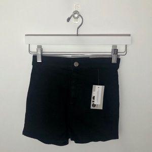TOPSHOP / US 4 / Black / High Rise Joni Shorts